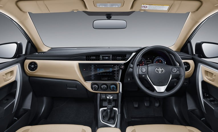 Interior Corolla Altis