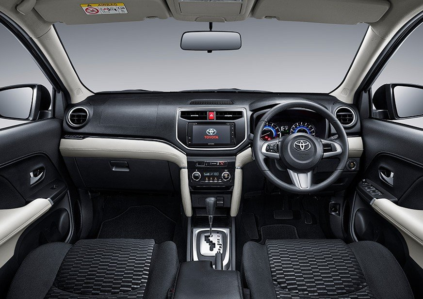 interior toyota rush 2018
